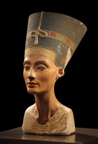 Nefertiti Regina si femeie