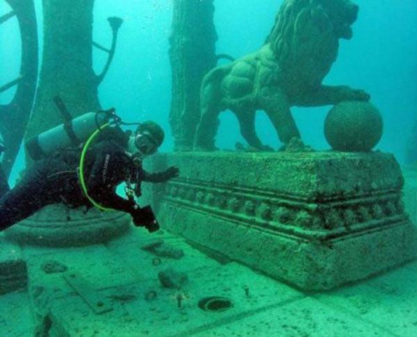 Cimitir subacvatic (Miami, SUA)