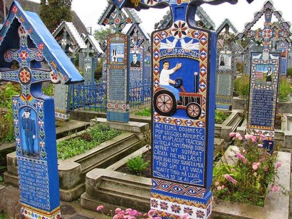 Cimitirul vesel din Sapanta (Maramures, Romania)