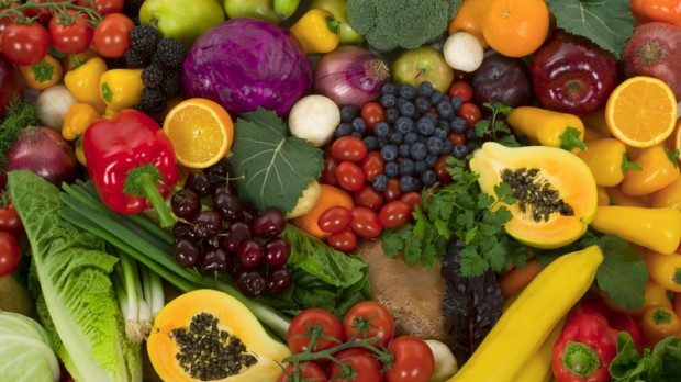 Fructe si legume in culorile curcubeului