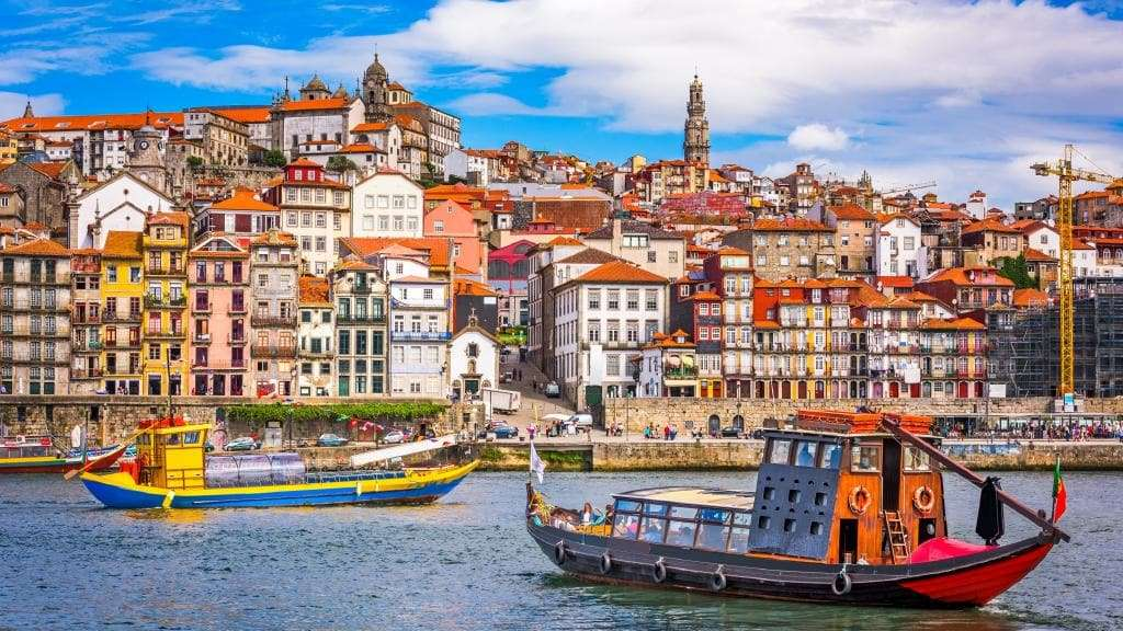 Întâlnește persoane compatibile din Portugalia