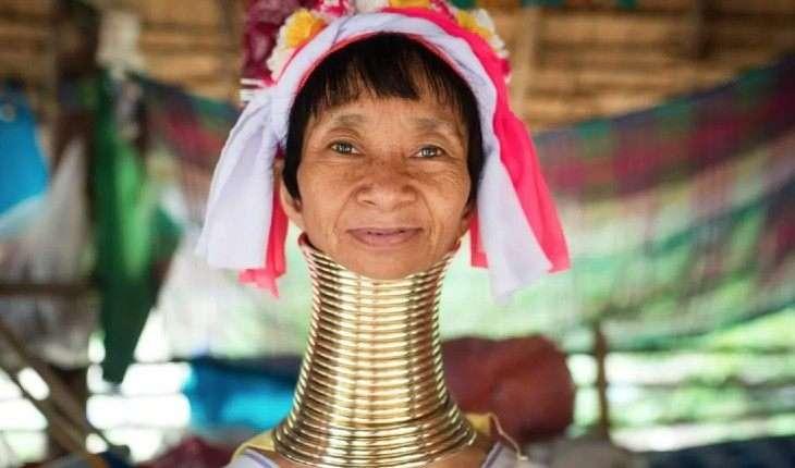 Cele mai ciudate obiceiuri ale femeilor din triburi